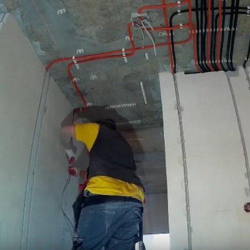 Электромонтаж проводки на потолке в новом доме