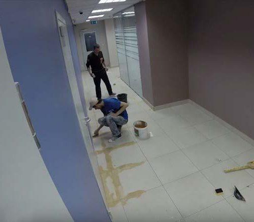 Ремонт полов в коридоре офиса
