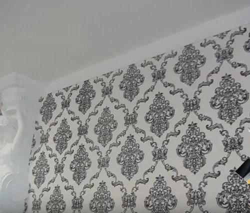 Оклейка стен флизелиновыми обоями