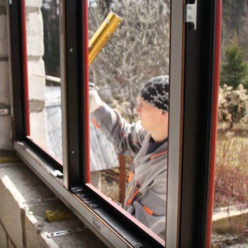 Установка пластиковых окон в загородном коттедже Владивостока