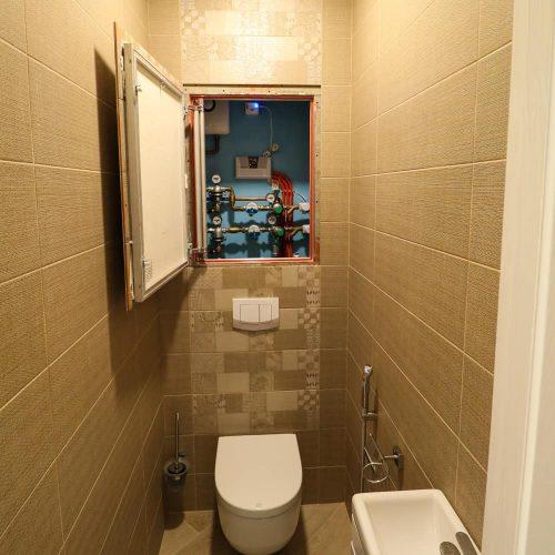 Инсталяция унитаза в туалете